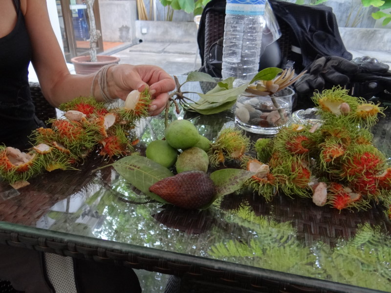 hairy fruits ;-) yummi!