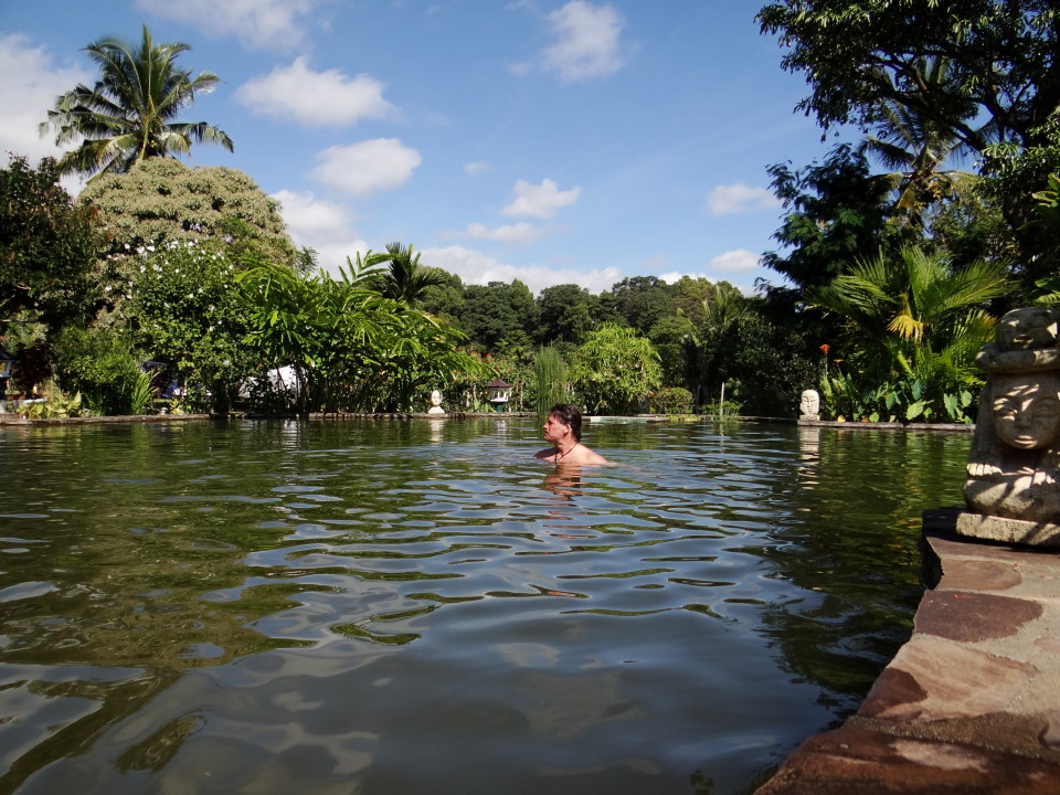 Lombok, Rinjani Mountain Garden, the pool