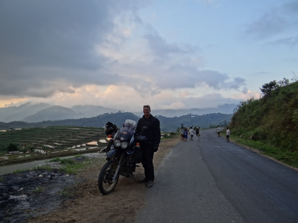 Flores - on the road to Reo