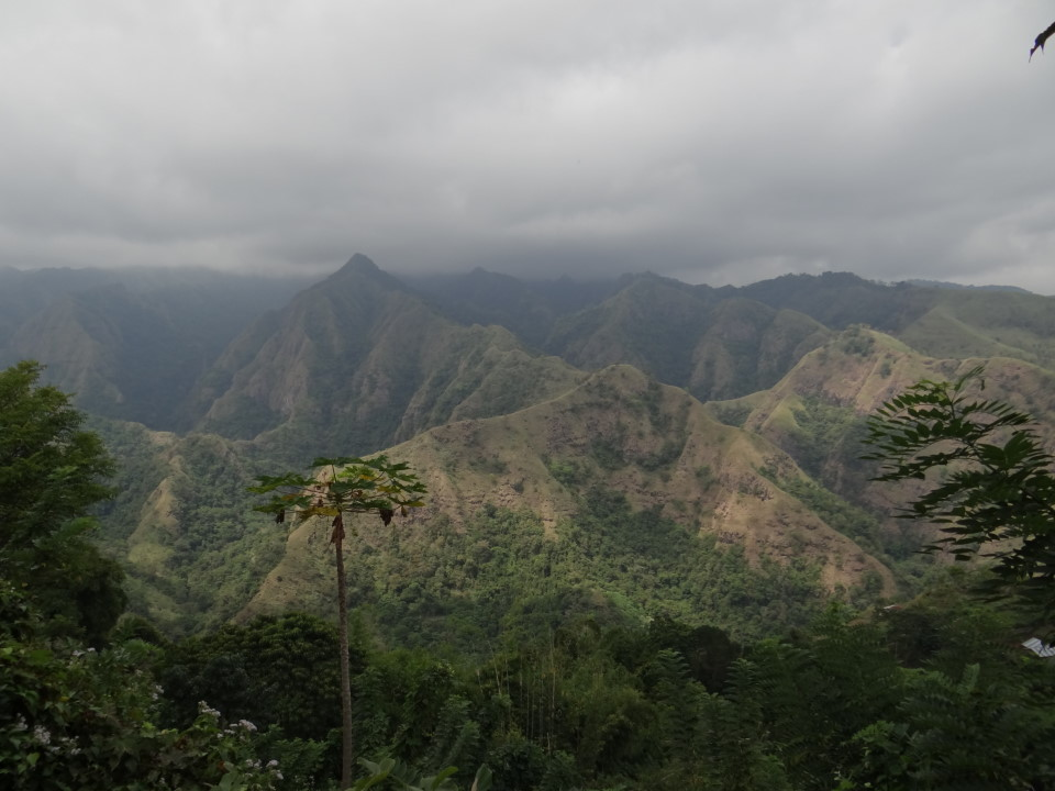 Flores - road from Renung to Bajawa