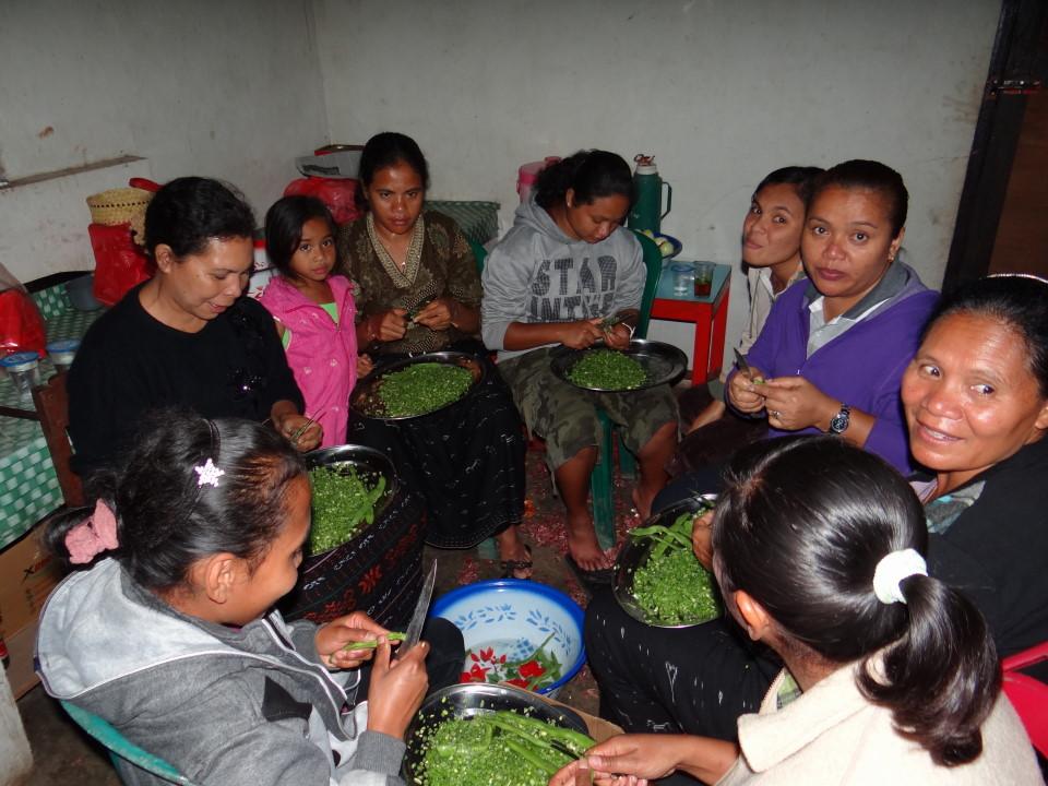 Flores - Bajawa, wedding preparation
