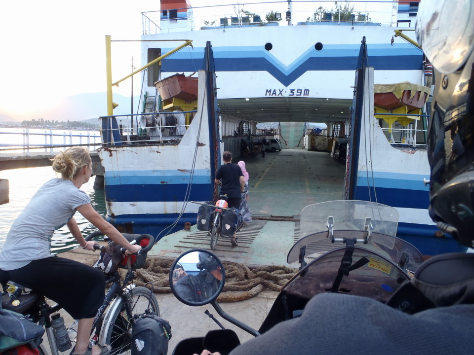 Ferry Sumbawa to Flores