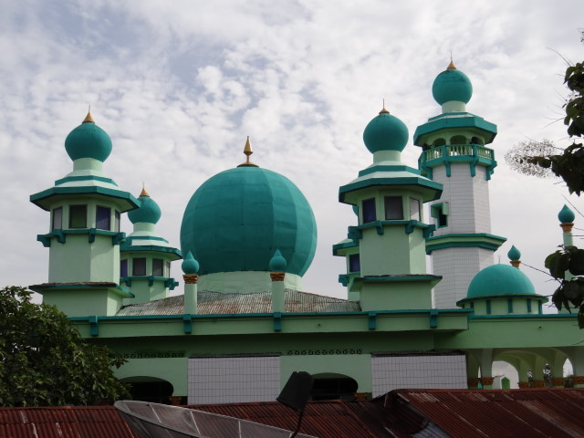 the mosque in front of our room, Tanjung Balai