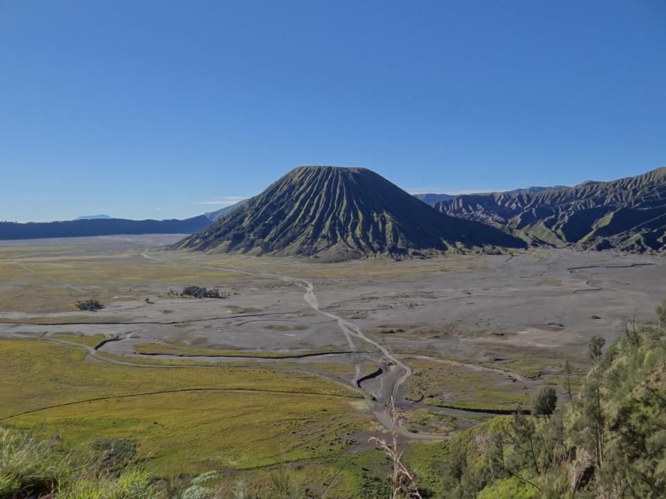 the Segara Wedi sand plain