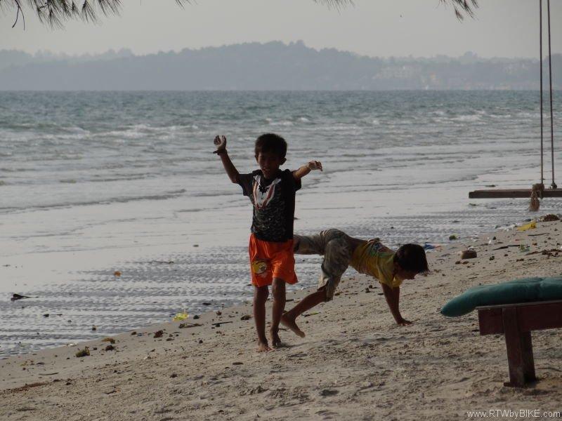 sportive kids, Otres Beach, Sihanoukville