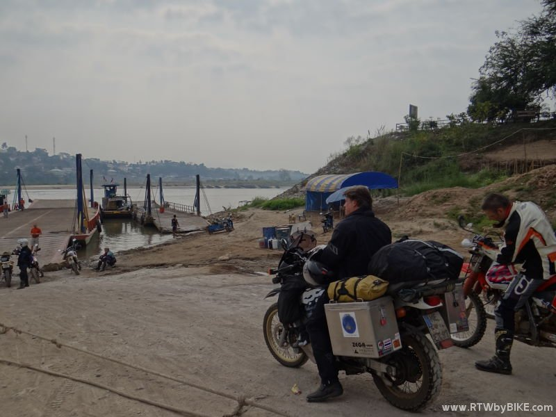 Chiang Khong - ready to cross the border/Khong to Laos