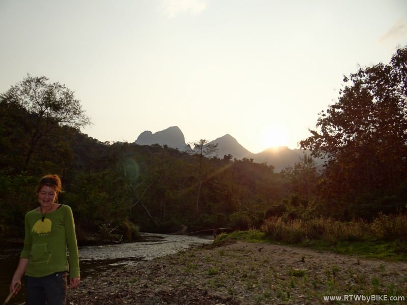 Nong Kiaw is squeezed in between some of the most fantastic limestone mountains