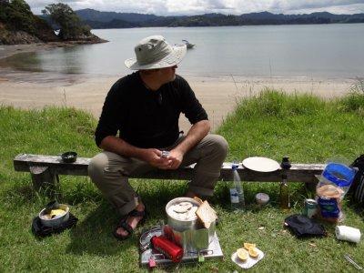 Whangaruru, Dinner time