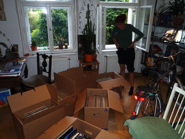Livingroom Packing