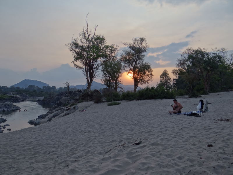 beach life at the Mekong River, Don Khon, Four Thousand Islands