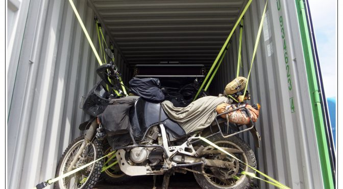 America Sur – we are on the way! Shipping the bikes